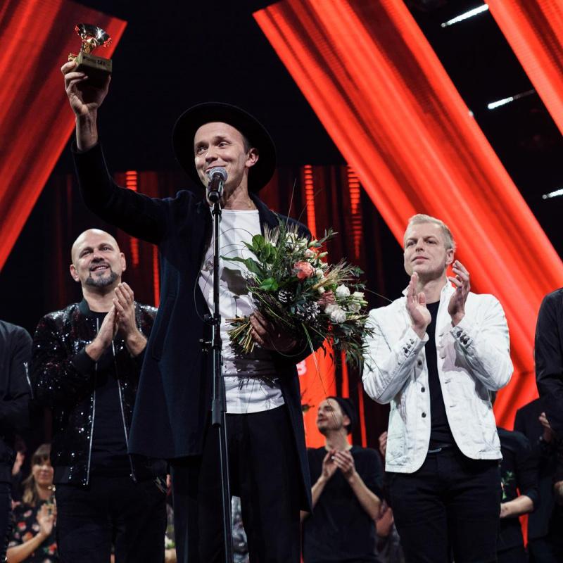 Noskaidrotas aizgājušā gada vērtīgākās latviešu dziesmas. FOTO