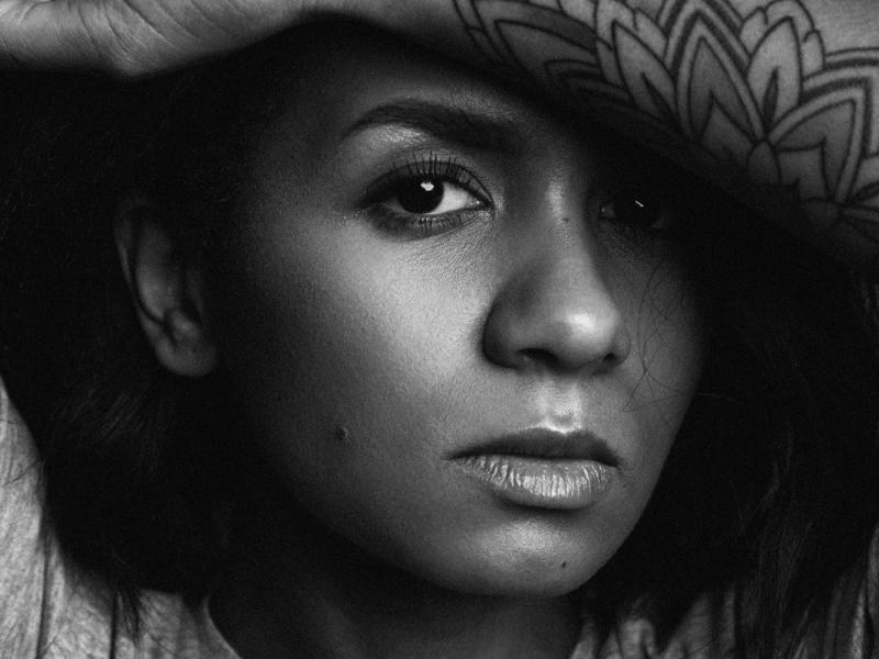 """Aminata izdod sava jaunākā singla anglisko versiju """"I Don't Know"""""""