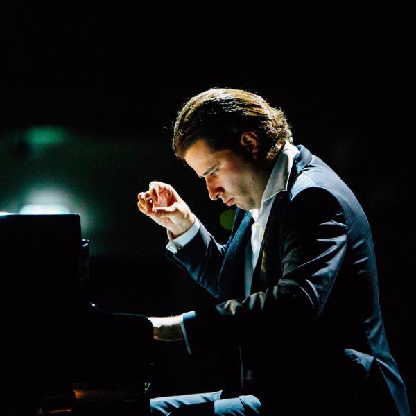 """Andrejs Osokins un """"Maskavas virtuozu"""" solisti uzstāsies Jūrmalā"""