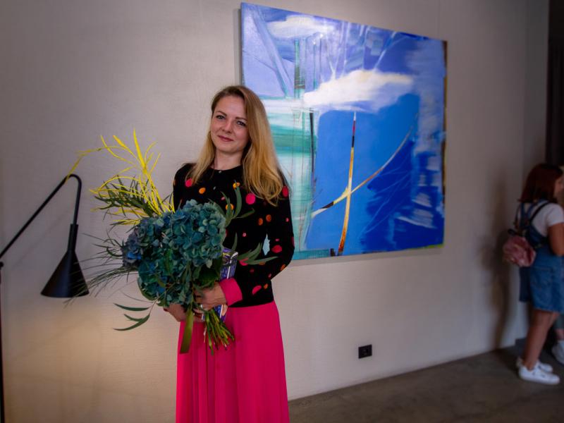 """Rīgā atklāta laikmetīgās mākslas izstāde """"Sirdspukstu galerija"""". FOTO"""