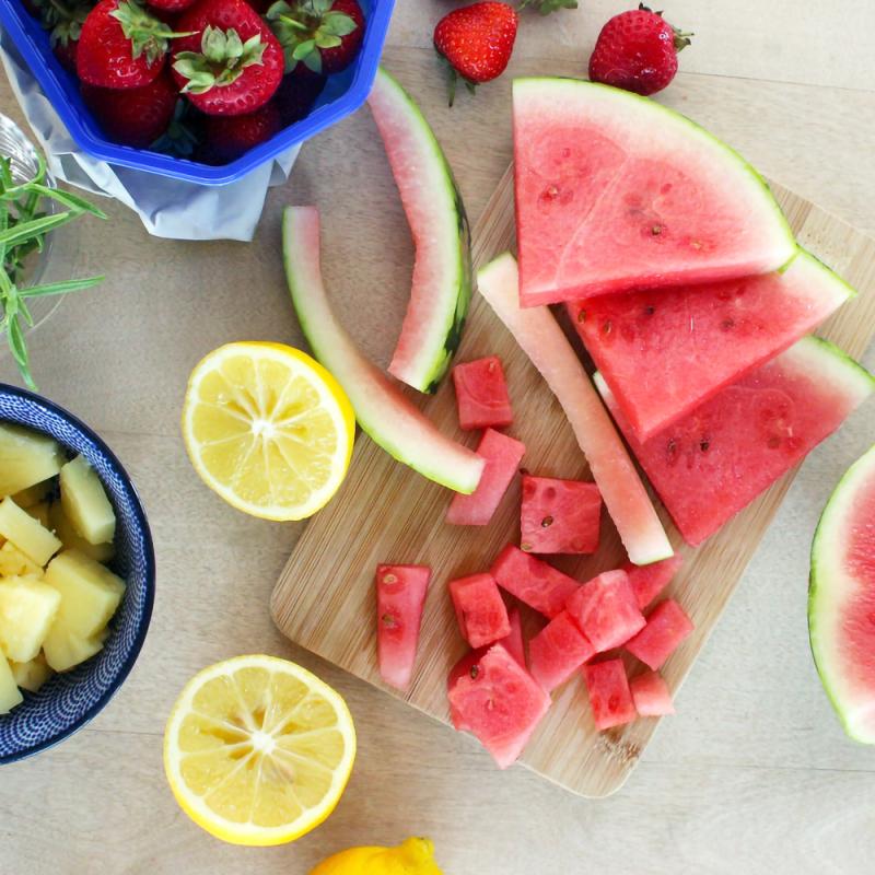 Astoņi padomi bērnu uzturam vasarā