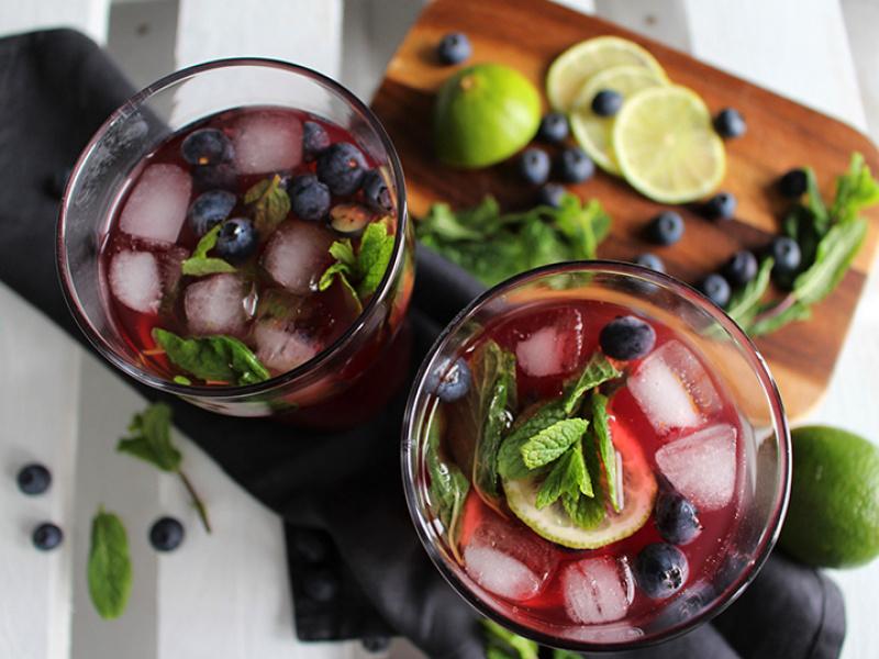 Bezalkoholiskais mohito kokteilis