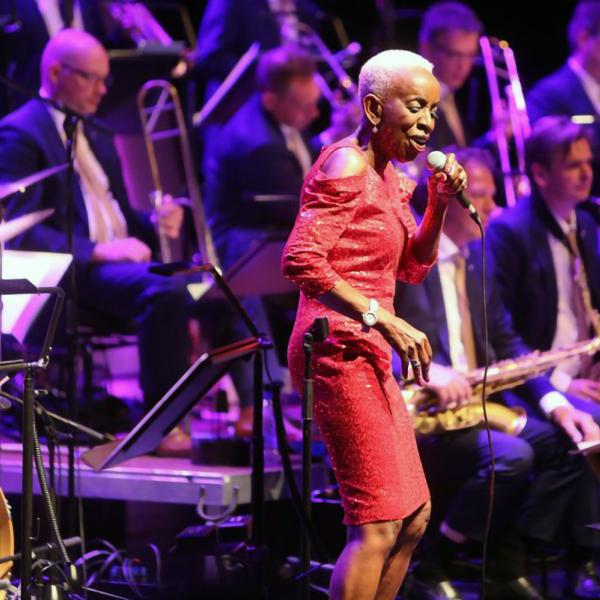 """Latgales vēstniecībā GORS viesosies Amsterdamas """"Concertgebouw"""" džeza orķestris un dziedātāja Madeline Bella"""