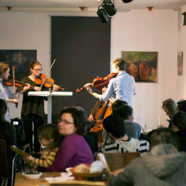 Kalnciema kvartālā koncerts, inovatīva darbnīca un tirgus