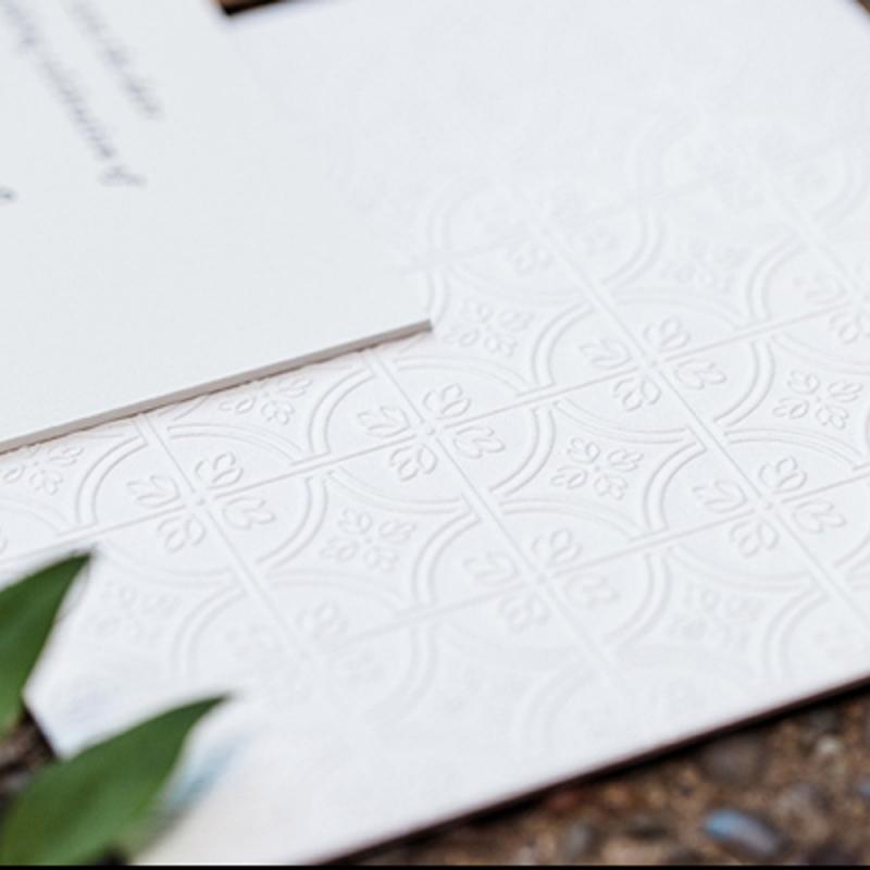 Kāzu ielūgumi: 7 soļi līdz nevainojamam kāzu ielūgumam