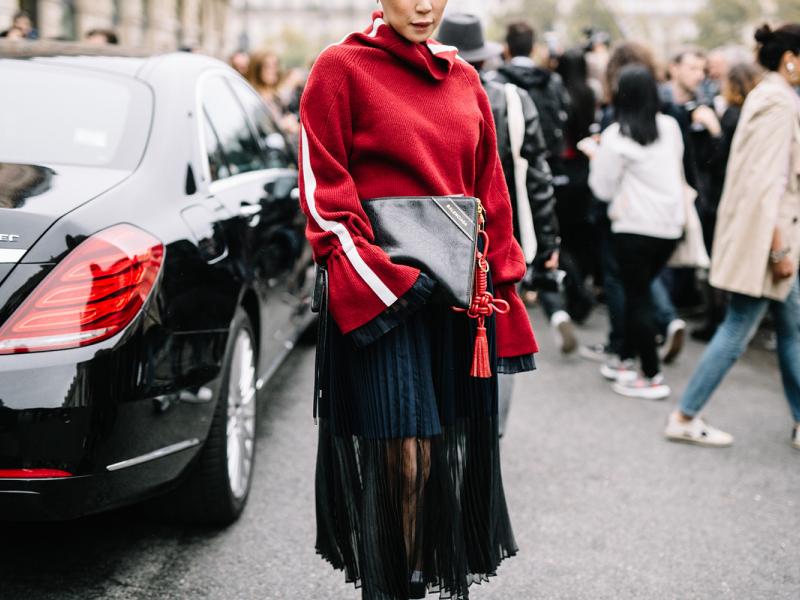 Ko par tevi liecina tava apģērba krāsa?