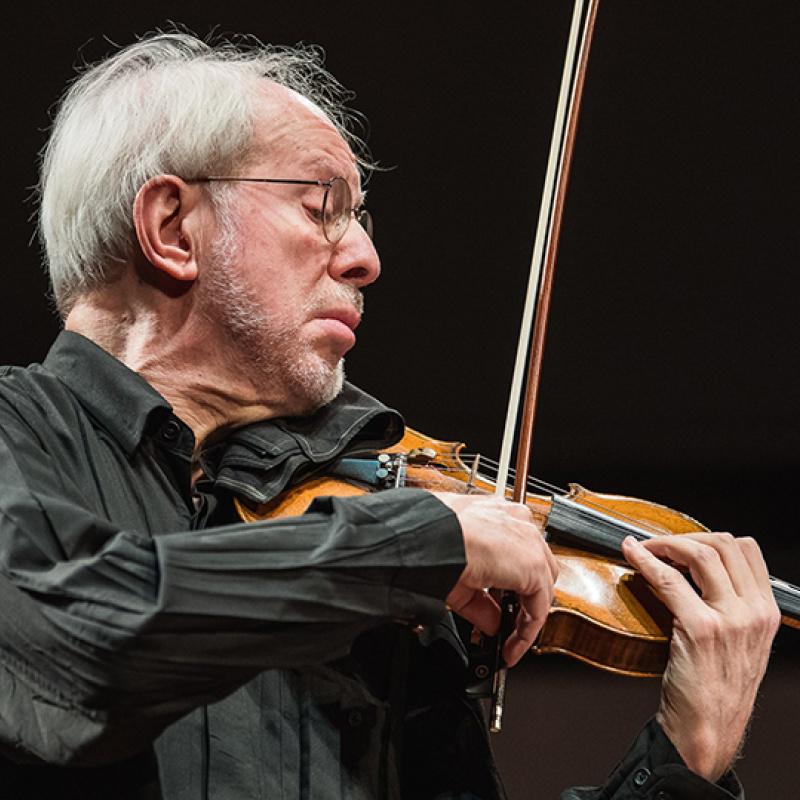 Liepājā izskanējis pasaulslavenā vijolnieka Gidona Krēmera koncerts. FOTO