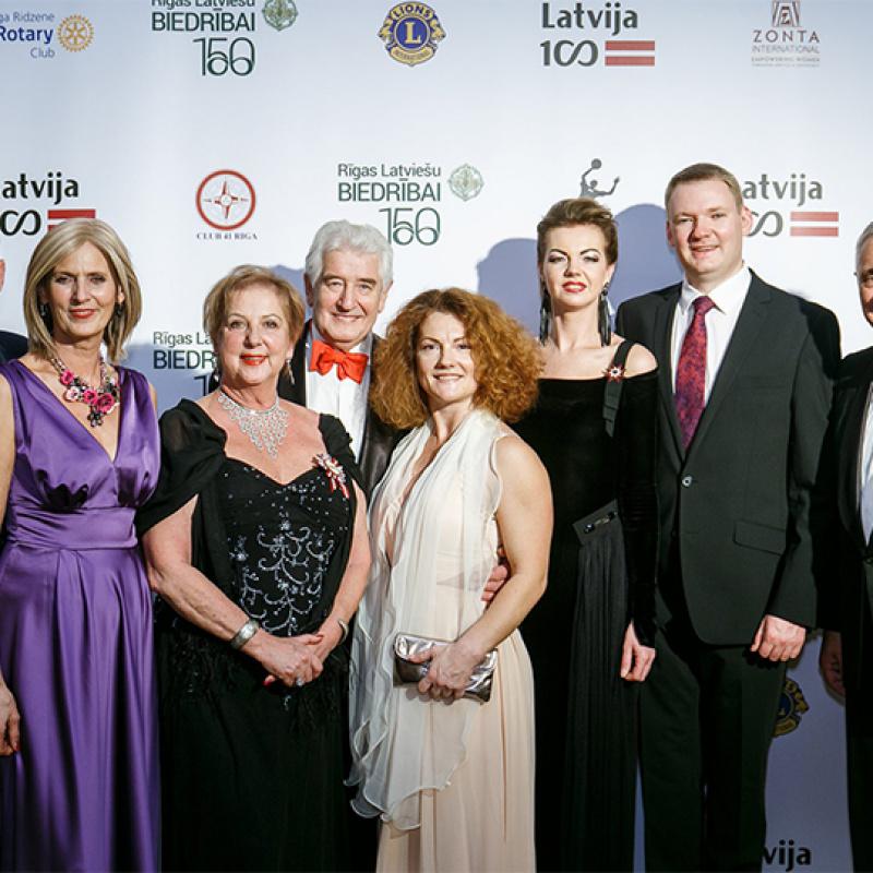 """""""Latvijai 100"""" labdarības balle. FOTO"""