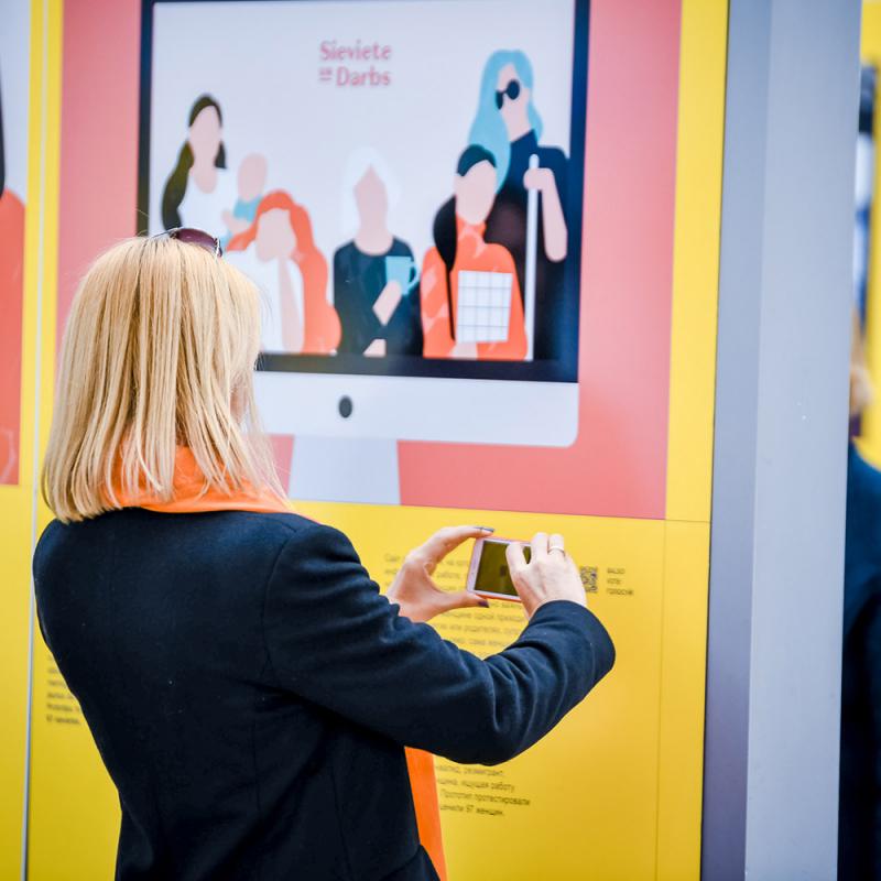"""""""Latvijas Dizaina gada balvas 2019"""" publikas simpātiju balvu ieguvusi informācijas vietne """"Sieviete un darbs"""""""