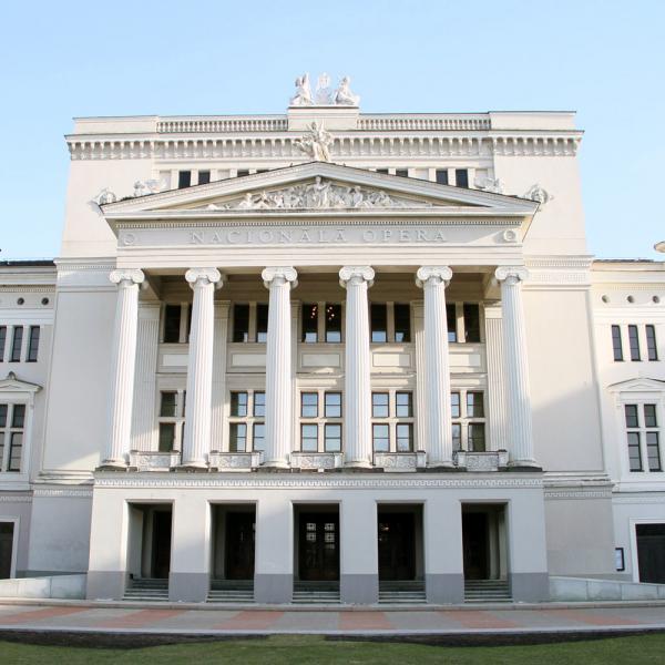 """Latvijas Nacionālajā operā jauniestudējuma pirmizrādi piedzīvos Imanta Kalniņa opera """"Spēlēju, dancoju"""""""