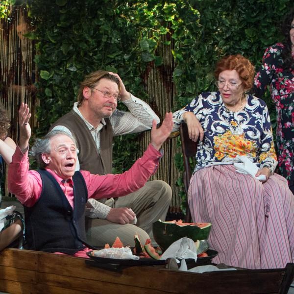 """Teātris """"Mūsdienu lugas skola"""" Latvijas publikai izrādīs humoristisku komēdiju Odesas stilā"""