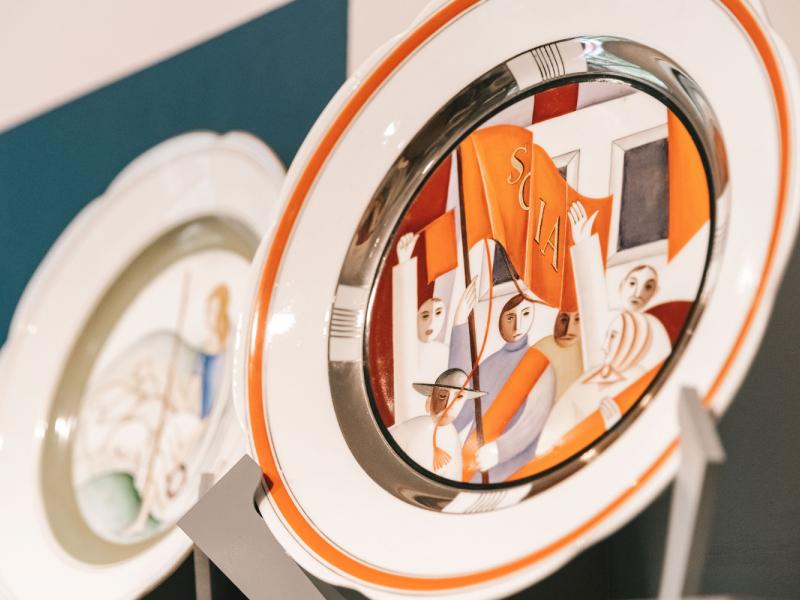 """Romana Sutas un Aleksandras Beļcovas muzejā skatāma izstāde """"Latviešu mākslinieki Penzas mākslas skolā"""". FOTO"""