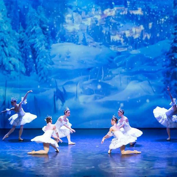 """Maskavas teātris """"Klasiskais balets"""" Latvijas skatītājiem piedāvās leģendāro P. Čaikovska baletu """"Riekstkodis"""""""
