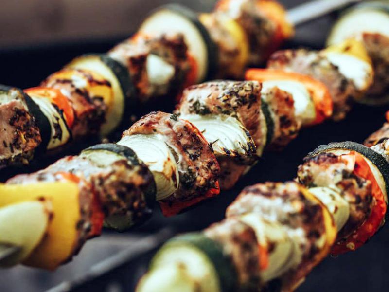 Grila ēdienus pārsvarā gatavo vīrieši, visvairāk grilē gaļu