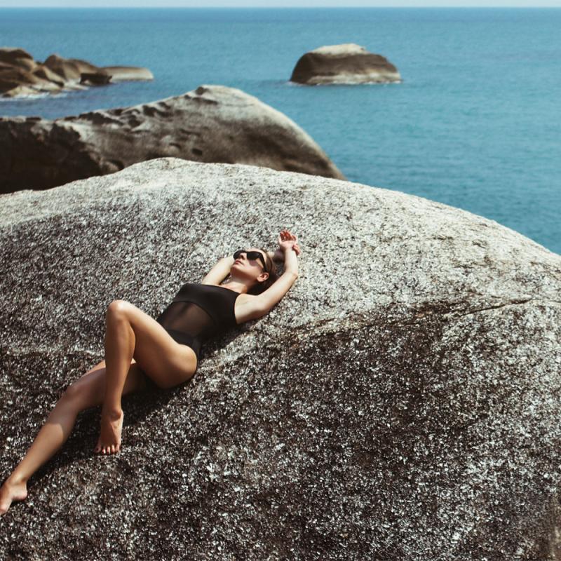 Kā sevi pasargāt no saules apdegumiem un ādas vēža?