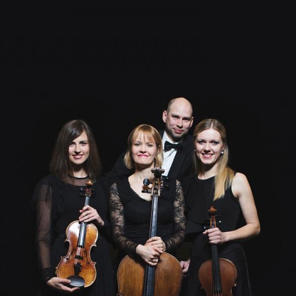 """Liepājas koncertzālē ar jaunu muzikālo programmu uzstāsies stīgu virtuozi """"Spīķeru kvartets"""""""