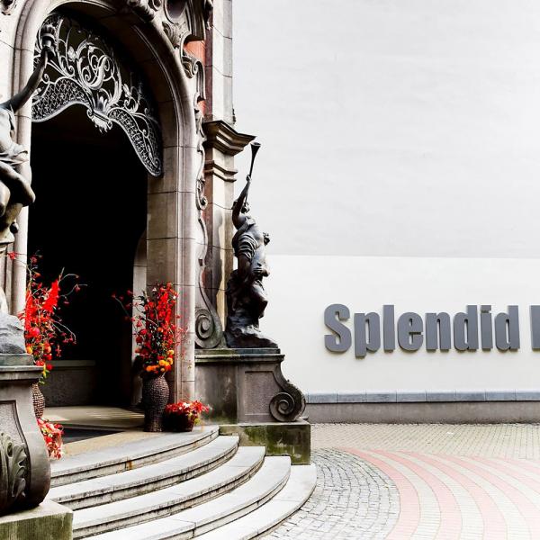 """""""Splendid Palace"""" atklās kino simtgadei veltītu izstādi"""