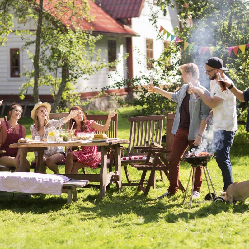 Uzkoda un našķi vasaras ballītēm: 5 vasarīgu uzkodu un ēdienu idejas