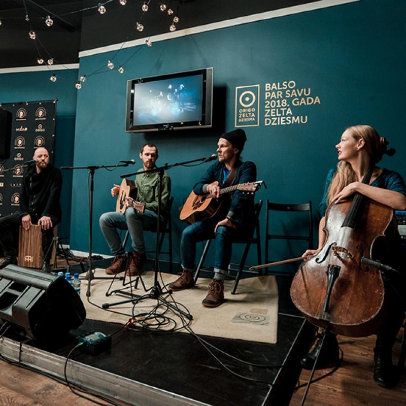 """Tikšanās ar """"Origo Zelta dziesma 2018"""" nominantiem – grupu """"The Sound Poets"""". FOTO"""