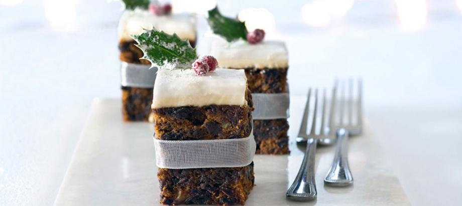 Žāvēto augļu Ziemassvētku kūka